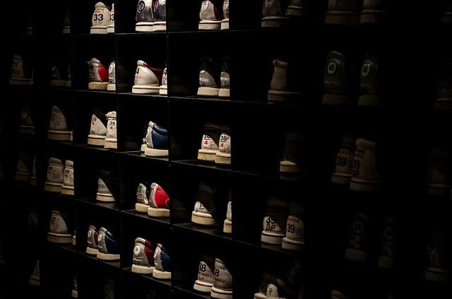 skříň na půjčování bot