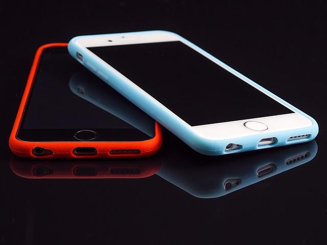 barevné mobily