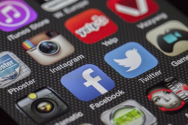 různé sociální sítě