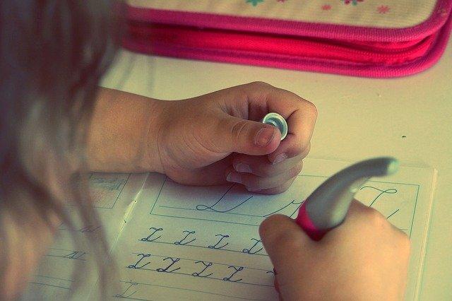 psaní psacím písmem
