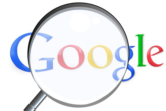 zvětšovací sklo nad google