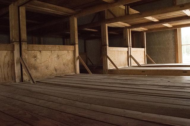 patrové postele bez matrací