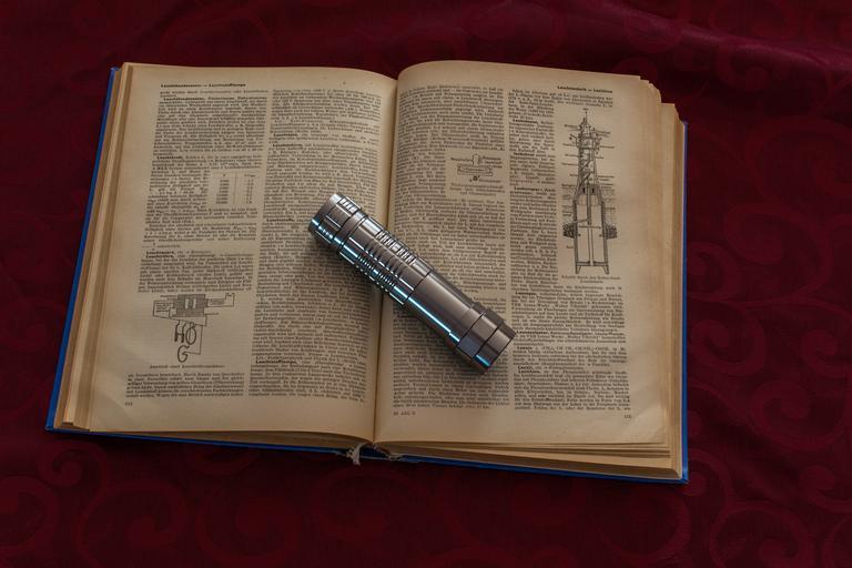Baterka a kniha