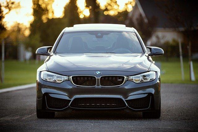 černé BMW